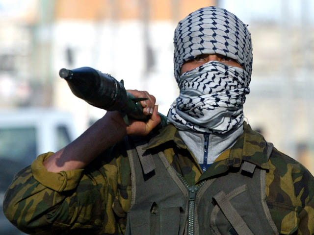 GZA: Palestinian Militants Clash With Israeli Troops