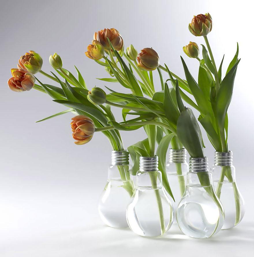ideas-for-recycling-light-bulbs-2__880