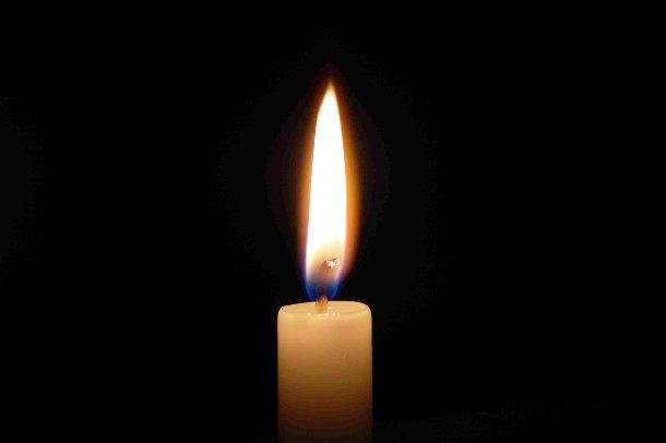 randalrauser.com-candle-in-the-dark