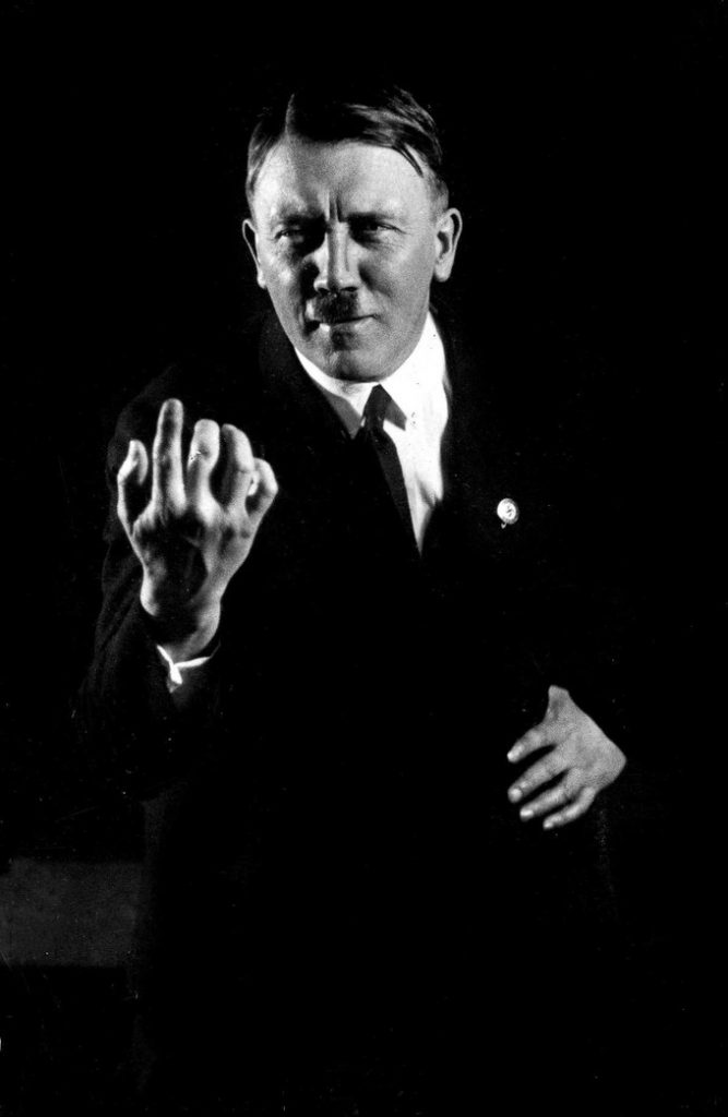 Hitlerembarrassingphotos05