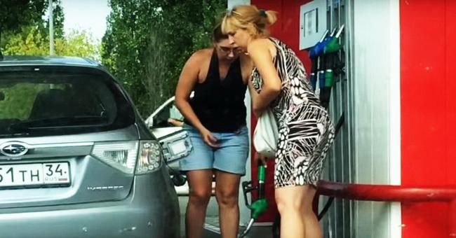 blondinka-na-avtozapravke-stala-zvezdoj-youtube_eaae339c4d89fc102edd9dbdb6a28915