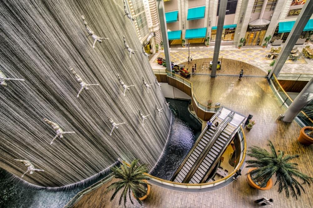 1495055-1000-1461358091-dubai-mall-waterfall-777231950